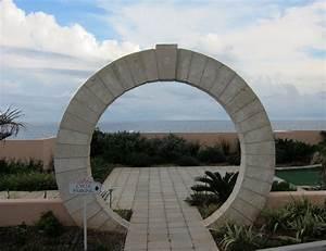 Bermuda Brief   2 Keystone Arch