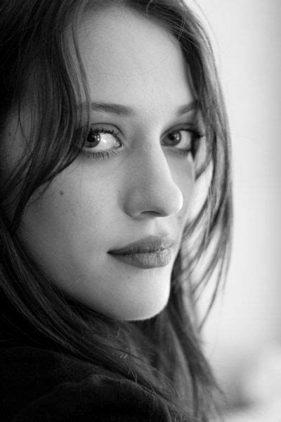 Kat Dennings Love Her Broke Girls Too Favorite