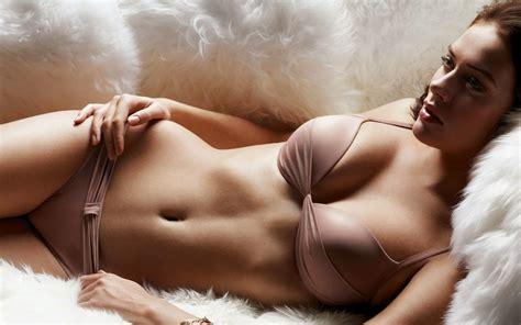 Wallpaper Top Most Beautiful Women