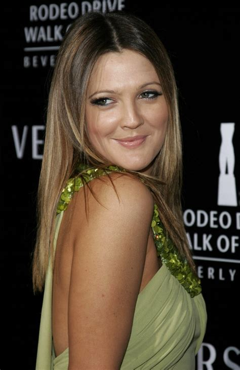 drew barrymore long straight hairstyle  angled sides