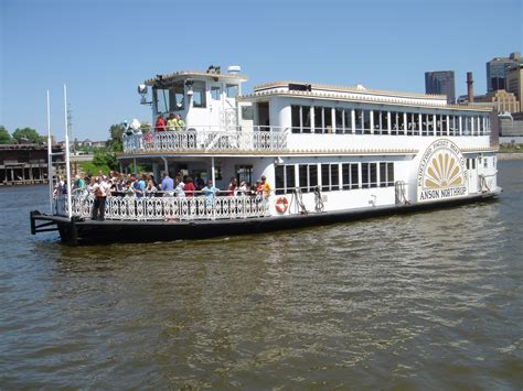 Paddleford Boat by Bloomington Mn Book My Reunion