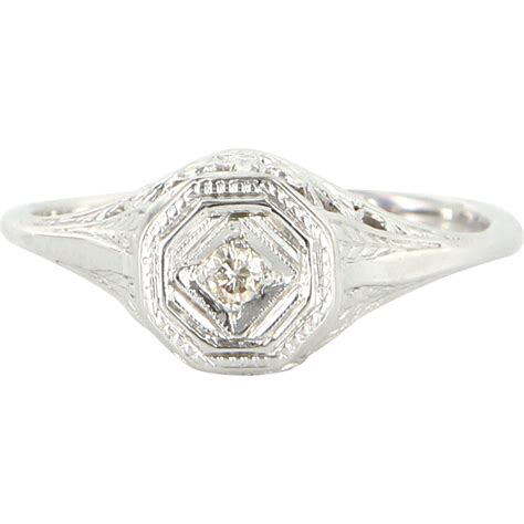 deco 10 karat white gold filigree ring estate jewelry from