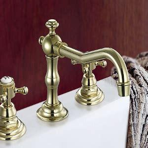 pulire la vasca da bagno come pulire e sbiancare la vasca da bagno arrangiamoci