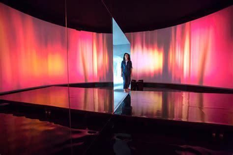 set designer es devlin     stage  design