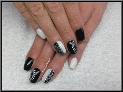 deco ongle en gel noir et blanc ongles en gel noir et blanc
