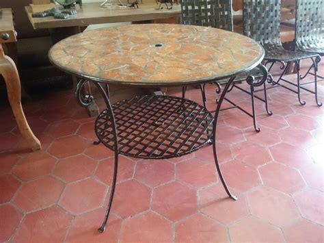 mesa de comedor yo jardin de herreria  azulejo