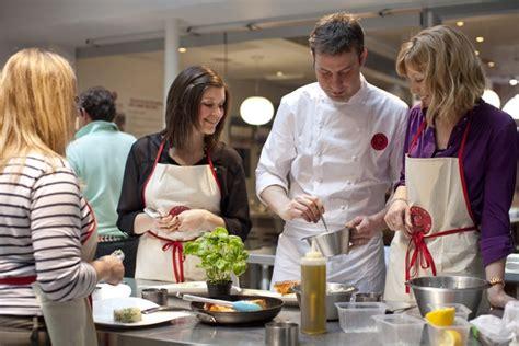 cours de cuisine 15 vous ne savez pas quoi cuisiner pour noël prenez des cours le de noëlle de noël