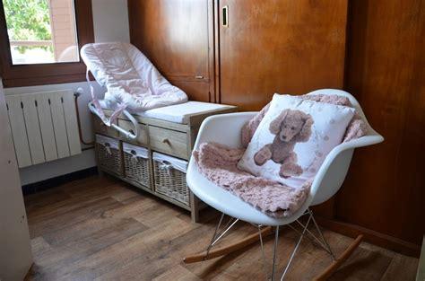 petit fauteuil de chambre décoration de chambre pour bébé fille dans ma tribu