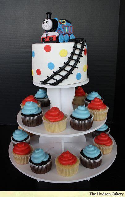 ideas  train cakes  pinterest thomas