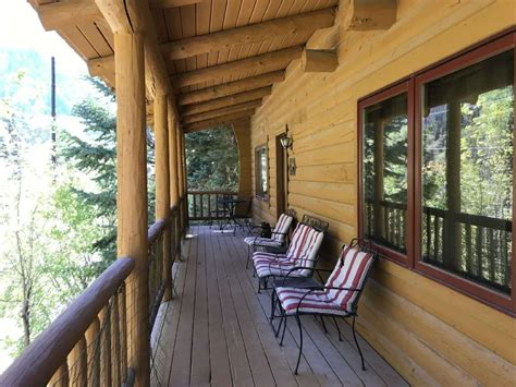cozy log cabin overlooking uncompahgre river  mile