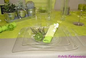 Table De Mariage Colore En Vert Et Blanc