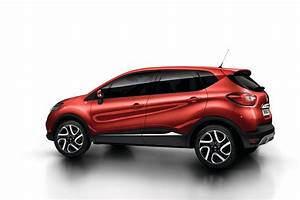 Renault Captur Gets Flame Red Paint And Extended Grip