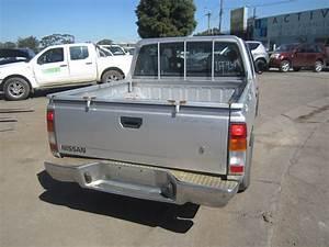 Nissan Navara V6 : nissan navara d21 dualcab 2wd v6 3l 1996 wrecking ~ Melissatoandfro.com Idées de Décoration