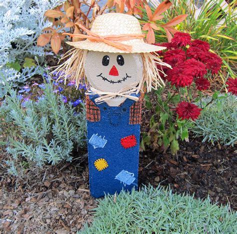 Scarecrow Craft From Garden Edging Block  Brown Eyed Rose