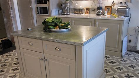 faire un ilot de cuisine comment faire un ilot central cuisine 2 plan de travail