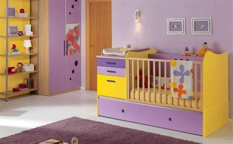 chambre fille jaune 35 idées originales pour la décoration chambre bébé