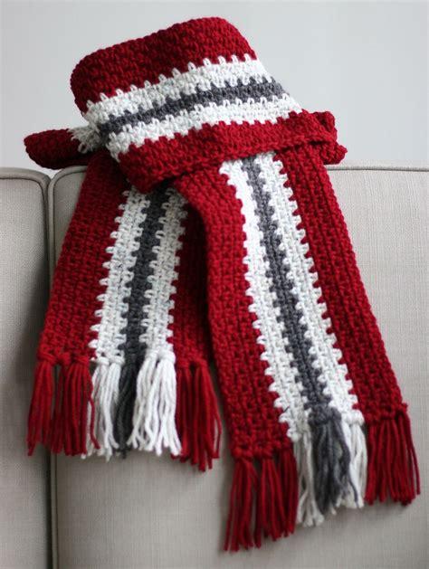 crocheted mens stripe scarf   vertical stripe