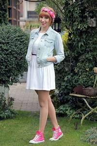 Kleid Mit Jeansjacke : outfit weisses kleid jeansjacke converse chucks pink blumenhaarkranz 1 hochzeit pinterest ~ Frokenaadalensverden.com Haus und Dekorationen