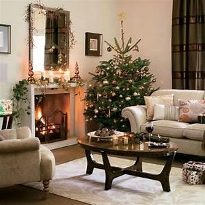 5 inspiring christmas shabby chic living room decorating for Xmas living room decor
