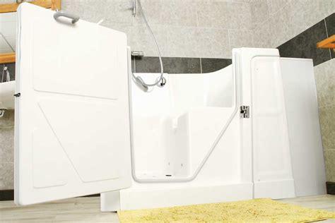 baignoire avec porte pourquoi choisir une baignoire avec porte