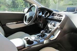 Peugeot Hybride Prix : vue interieur peugeot 3008 hybride diesel ~ Gottalentnigeria.com Avis de Voitures