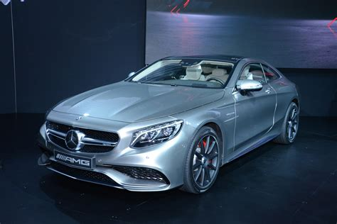 mercedes benz   amg coupe flexes   muscle