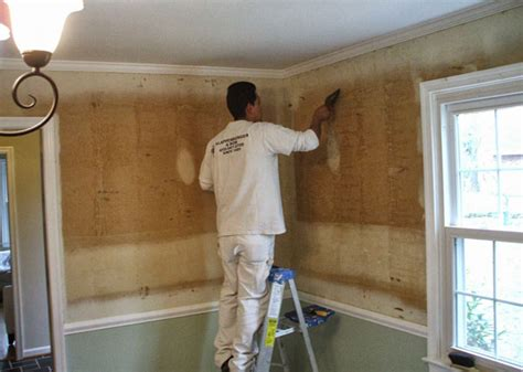 Wallpaper Glue Removal Tips