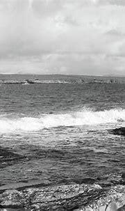 Portnoo Tide Bw Donegal Ireland Photograph by Eddie Barron
