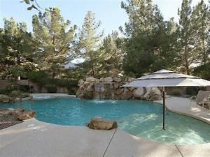 amenagement bord piscine obasinccom With amenagement autour d une piscine hors sol 5 amenagement piscine de jardin idees et photos inspirantes