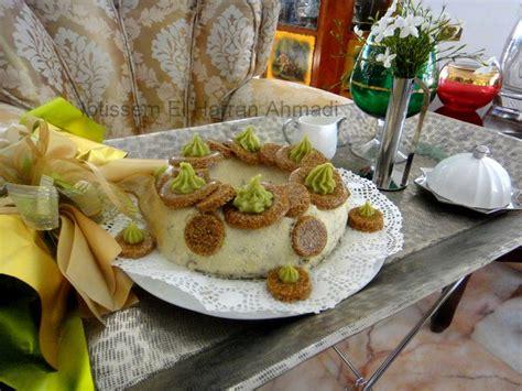 couronne noisette chocolat pistache quot g 226 teau nougatine fouett 233 pistache chocolat noisette poudre d