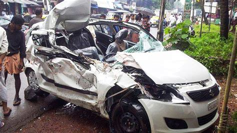 latest car accident  maruti suzuki swift  india road