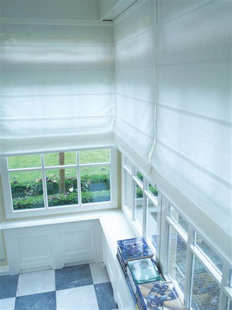 Dekorativ Und Praktisch Plissees Und Rollos Fuer Dachfenster by Raffrollos Dekofactory