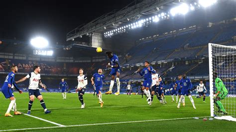 Premier League: Tottenham returns to top after draw vs ...