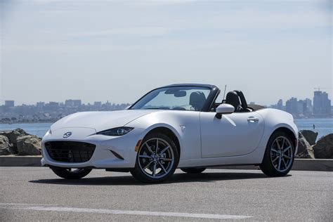 mazda mx  miata  drive review  sports car