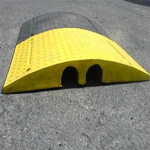 Passage De Cable Au Sol : passage c bles routier ralentisseur route ansemble ~ Dailycaller-alerts.com Idées de Décoration