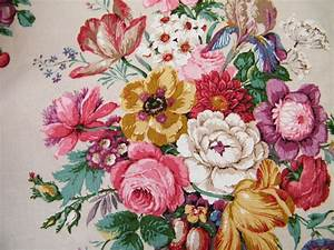 Vintage floral fabric | Geranium