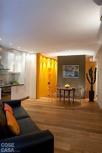 Una Casa Mini  Con Curve E Nicchie Risolutive