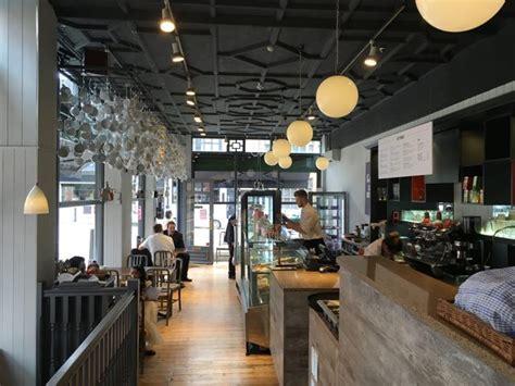 madisons cafe interior newenglish design