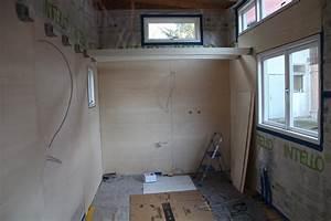Tiny House Stellplatz : ein modell des tiny houses im wohnzimmer concection ~ Frokenaadalensverden.com Haus und Dekorationen