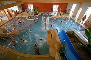 les parcs aquatiques et les piscines dans les campings With camping fouesnant avec piscine couverte
