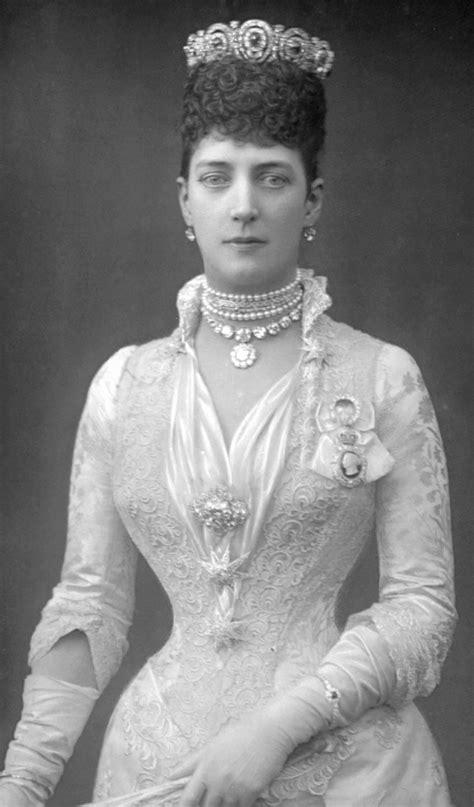 1890(?) Princess of Wales Alexandra   Grand Ladies   gogm