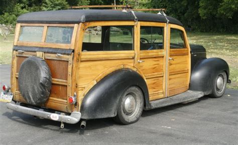 Hammondsport Ny Antique Boat Show by Event Coverage Wooden Boat And Woodie Car Show In