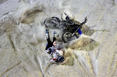 motocross freestyle riders how motocross riders don 39 t die all the time wired
