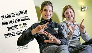 """Wout Van Aert nodigt zijn fans """"én die van Sarah"""" uit op ..."""
