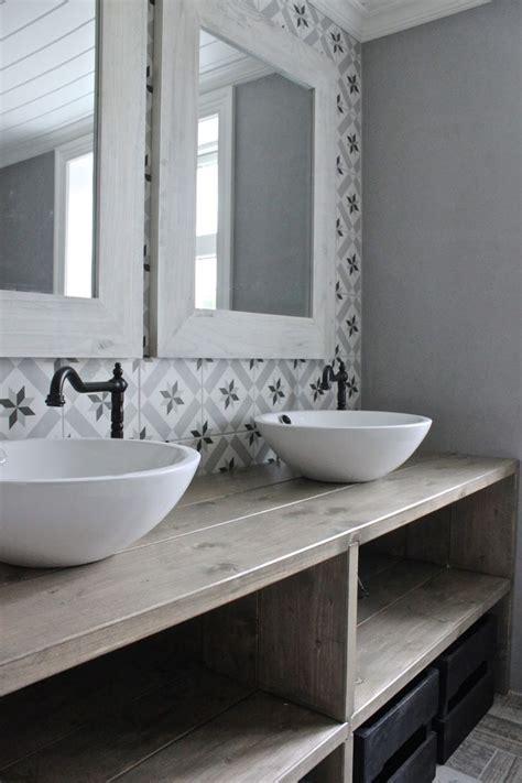 salle de bains retro salle de bain retro rustique carrelage graphiques esprit carreaux de ciment rustic and