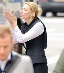 Cate Blanchett blows a kiss to husband Andrew Upton in PDA ...