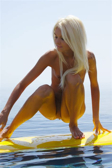 Francesca In Surf Naked Ii By X Art 16 Photos Erotic