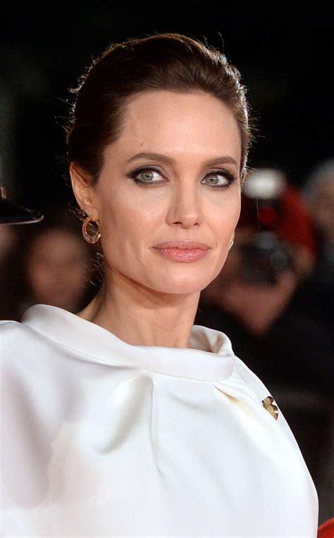 Angelina Jolie - 'Unbroken' Premiere in London • CelebMafia