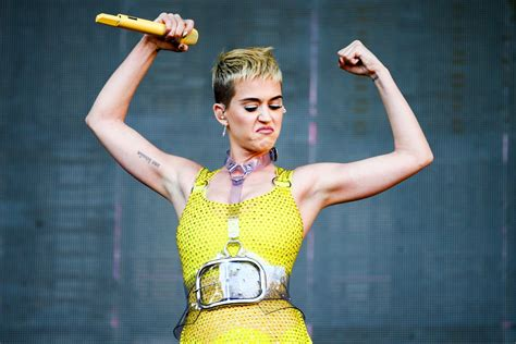 Katy Perry Net Worth After Reported  Million Deal For