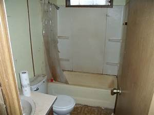 Complete mobile home remodel bathroom vivid 521930 for Mobile home bathroom remodeling